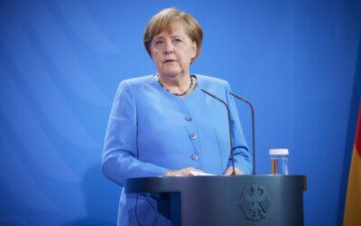 Небанальний візит Меркель в Україну